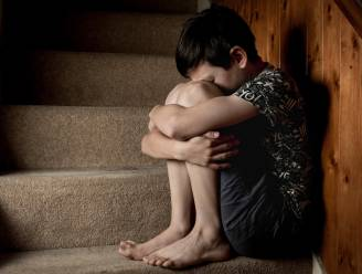 """""""Ik heb papa neergeschoten"""": het trieste verhaal van een jongen (10) die zijn gewelddadige vader vermoordde"""