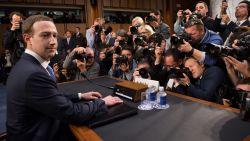 Zuckerberg door het stof, aandeel schiet omhoog