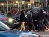 New Yorkers tillen auto op om vrouw te bevrijden