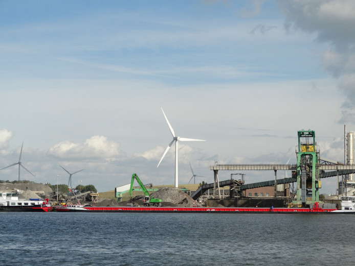 Windpark Koegorspolder gezien vanuit Sluiskil