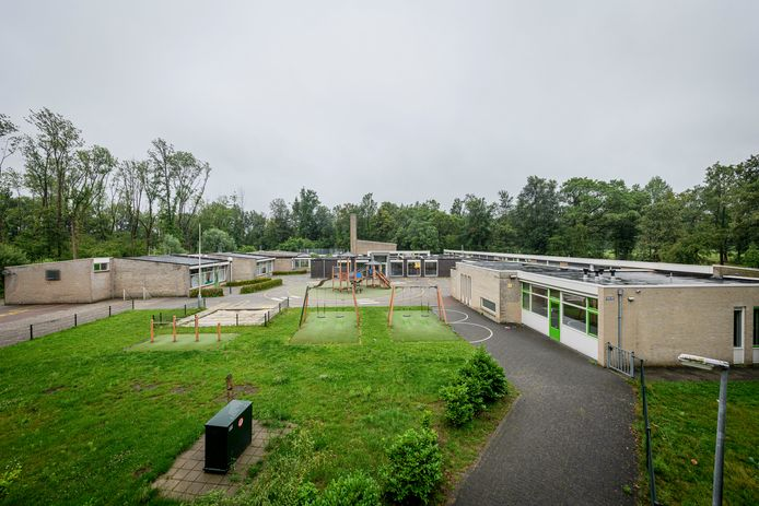 Servicecentrum Oost verhuist binnenkort naar het voormalige gebouw van De Huifkar aan de Keppelerdijk.