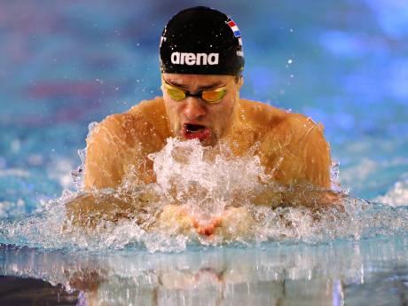 Kamminga zwemt met ticket op zak weer record