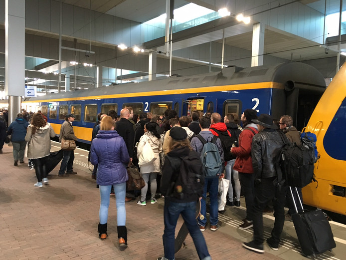 Intercity Direct in het station van Breda.