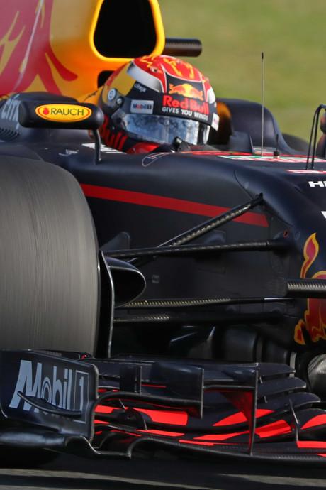 VIDEO: Verstappen eindigt als vijfde in eerste Grand Prix, winst voor Vettel
