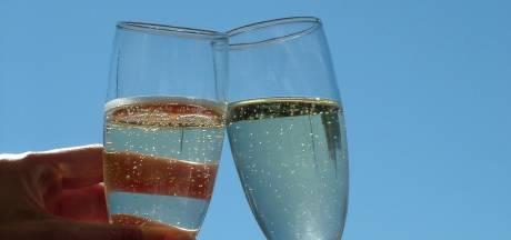 Arnhemse die dure champagne meenam bij AH krijgt werkstraf