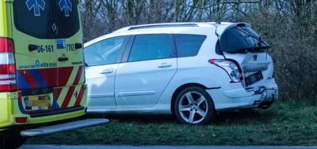 Veel blikschade bij kop-staartbotsing nabij Zutphen