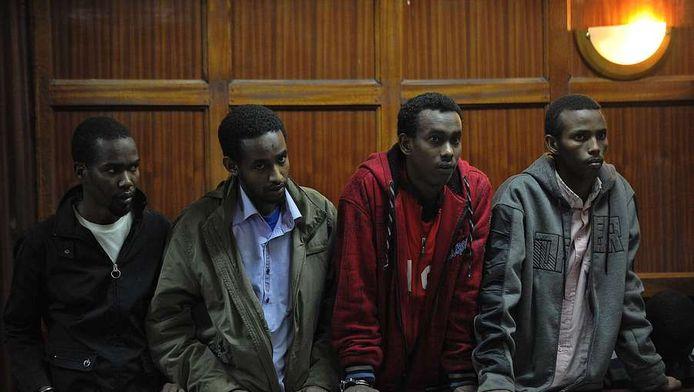 Verdachten Abdi Mohamed Ahmed, Liban Abdulle Omar, Adan Mohamed Ibrahim en Hussein Mustafa Hassan in de rechtbank in Nairobi