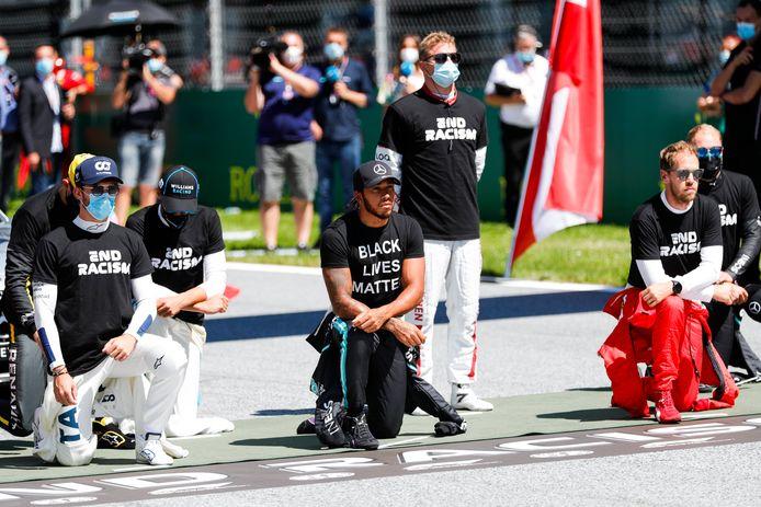 Contrairement à Lewis Hamilton, six pilotes n'ont pas souhaité mettre le genou au sol sur la ligne de départ du Grand Prix d'Autriche. .