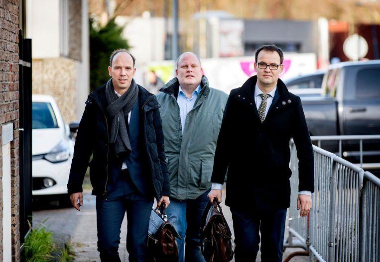Advocaten Sander Janssen (L) en Robert Malewicz komt aan bij de zwaarbeveiligde rechtbank De Bunker Beeld anp