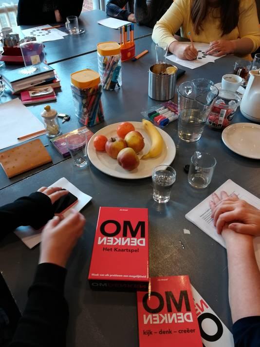 Een van de activiteiten van de vrouwengroep: een workshop omdenken, over het oplossen van problemen.