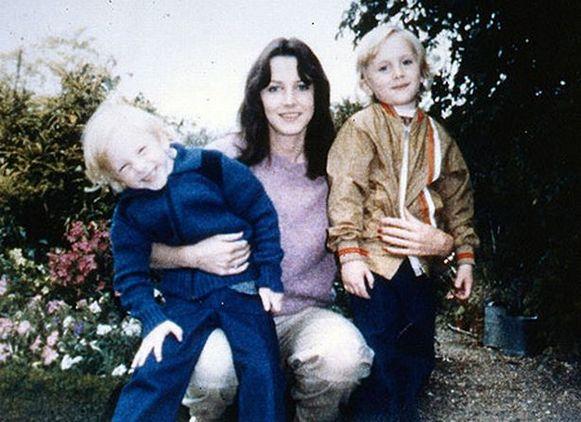 Sheila (28) met haar tweeling Nicholas en Daniel (6). Dit zou de laatste foto van hen drie zijn.