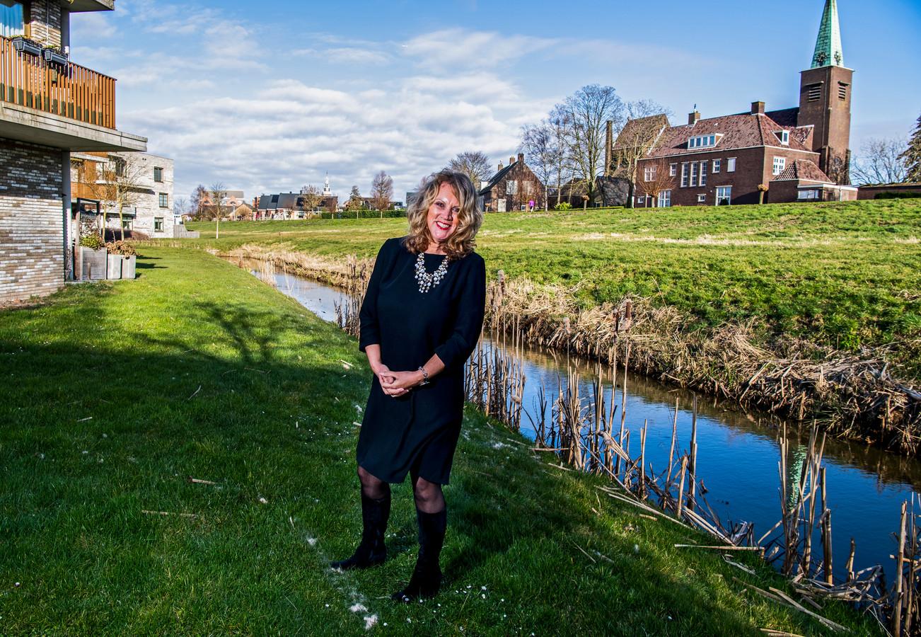 Caroline Nolet van woningstichting Nieuwkoop over onderzoek jongeren op de woningmarkt. Foto: Frank de Roo