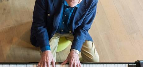 Oud-zeeman (86) verspreidt vrolijkheid in Bussel en Theek 5