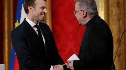 Nieuwe klacht tegen pauselijke nuntius in Parijs wegens ongewenste seksuele aanrakingen