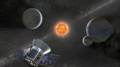 Nieuwe planetenzoeker TESS vindt vierde exoplaneet en honderden sterren waar leven mogelijk is