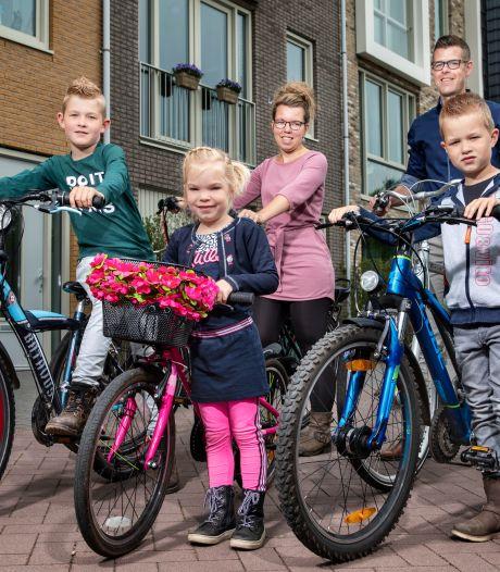 Deze ouders wacht logistieke nachtmerrie nu scholen weer opengaan: 'Ik sjees van de ene naar de andere'