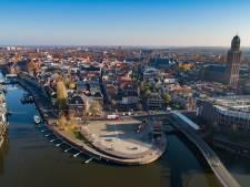Zwolle stroomt vol voor intocht Sinterklaas, politie staat op scherp