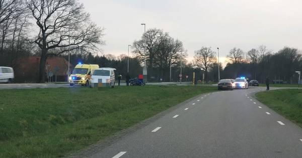 Motorrijder gewond door aanrijding met auto in Ambt Delden.