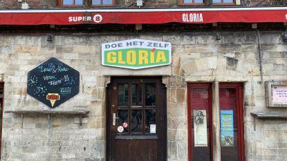 Cafés aan Gentse Vlasmarkt 'omgevormd' tot doe-het-zelfzaken
