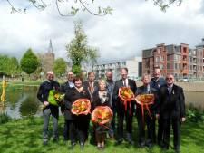 Burgemeester Buijs aan de bak met tien lintjes in Boxtelse raadzaal
