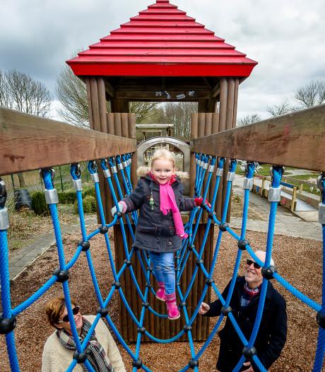 Kinderen in Moerkapelle mogen niet schreeuwen, gillen, voetballen of muziek luisteren in nieuwe speeltuin