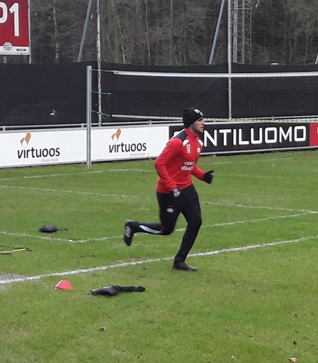 Romero werkt eerste training bij PSV in Eindhoven af, Van Ginkel terug op het veld