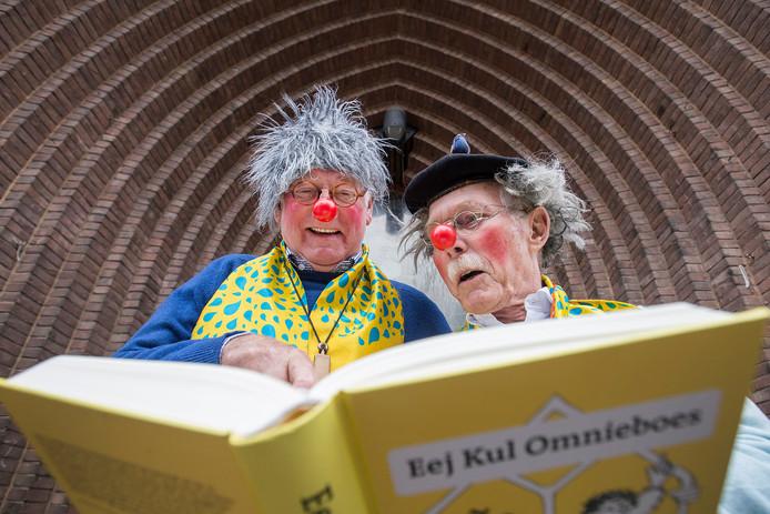 Theo Borghouts en Theo Melis kropen dit najaar nog in de rol van Paoter Sjaggerijn en Paoter Terrepetijn.