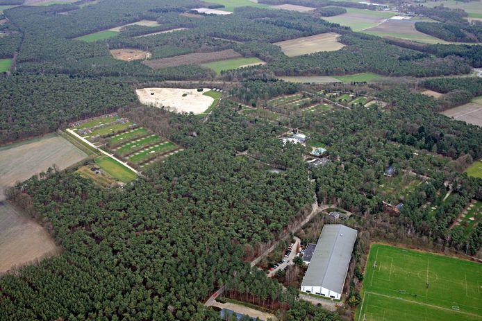 BERGEIJK - Camping De Paal vanuit de lucht bezien.