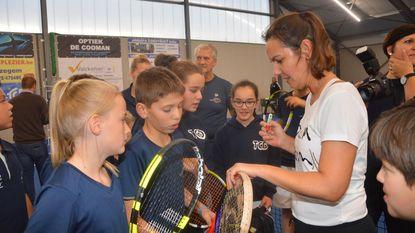 Nieuwe tennishal geopend met Dominique Monami