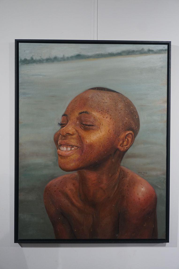 OOSTENDE - In Expo 18 opende de tentoonstelling 'Water Works' van Silas Onoja. Geef toe: de werken lijken foto's te zijn, maar zijn prachtig gedetailleerde schilderijen.