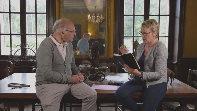 """Le """"Docteur Mabuse"""" conseille également la prise de certains produits pour passer entrer les mailles du filet de l'antidopage, notamment pendant la préparation d'un Tour de France. Bernard Sainz, qui ne possède pas de compte courant, continue de nier."""
