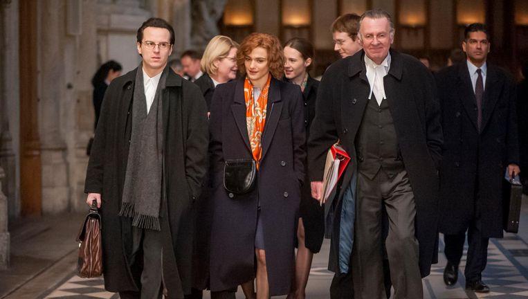Andrew Scott als Anthony Julius, Rachel Weisz als Deborah Lipstadt en Tom Wilkinson als Richard Rampton in Denial. Beeld .