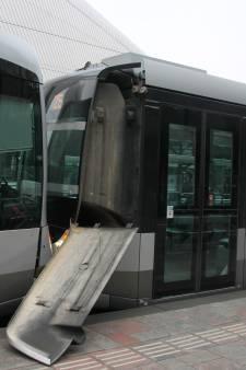 Trams botsen op elkaar voor Rotterdam Centraal
