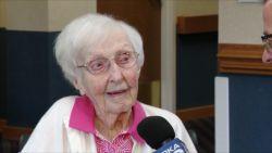 112-jarige Amerikaanse onthult het eenvoudige geheim van haar lange leven