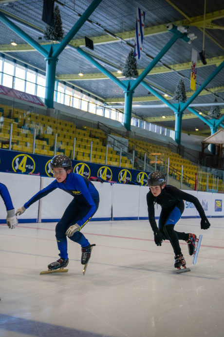 IJsclub: gemeente Alphen meet met twee maten