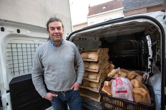 Bakker David De Mey gaat iedere dag op ronde met zijn brood. Hij kreeg dinsdag een boete van 116 euro, omdat hij aan het stuur zat zonder gordel.