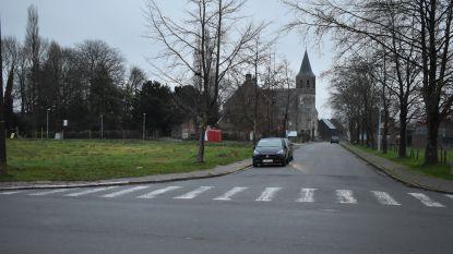 Parkeerverbod voor vrachtwagens in dorpskern Ressegem