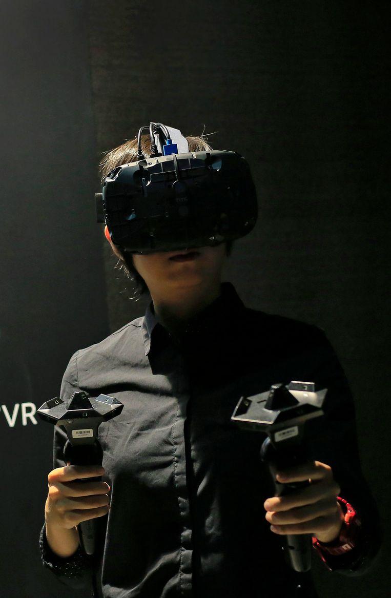 De VR-bril van de Taiwanese fabrikant HTC en gameontwikkelaar Valve. Beeld epa