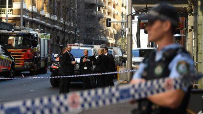 Man steekt vrouw neer in Sydney: dader overmeesterd door passanten, lichaam gevonden in flat