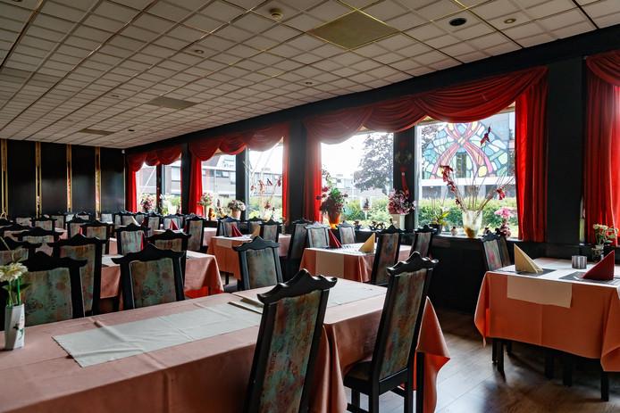Van het restaurantgedeelte in Mei Wah wordt nog maar weinig gebruik gemaakt. De meeste klanten zijn afhalers.