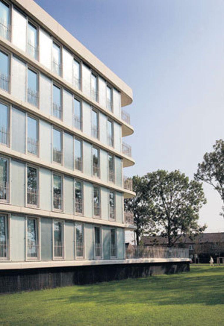 CalandparC (Prof. J.H. Gunningstraat) in Osdorp, net naast de Pieter Calandlaan, is één van de genomineerden voor de Amsterdamse Nieuwbouwprijs. Foto Floris Lok Beeld