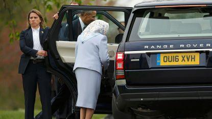 Waarom Queen Elizabeth ooit achterin een wagen werd gesleurd tijdens haar koninklijke tournee
