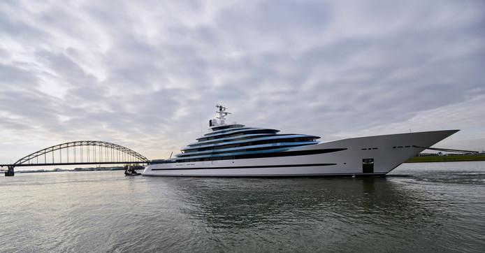 Oceanco laat grootste jacht van Nederland te water