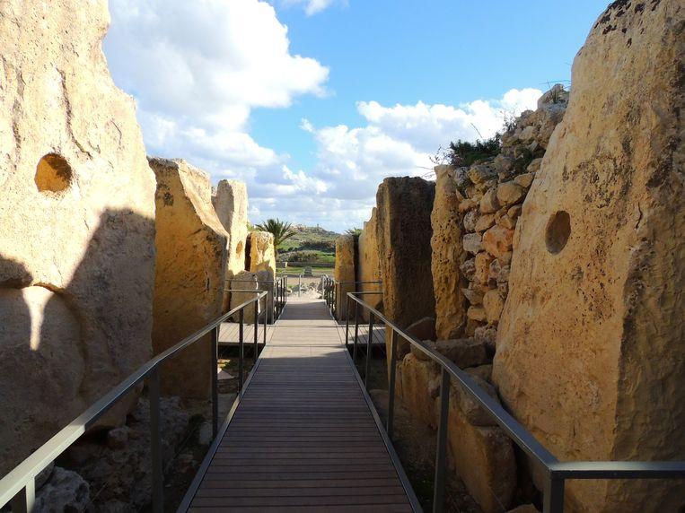 De Ġgantija-tempel op het Maltese eiland Gozo. Vanuit deze gang had men bij zonsondergang een goed zicht op de opkomende ster Sirius. Beeld x