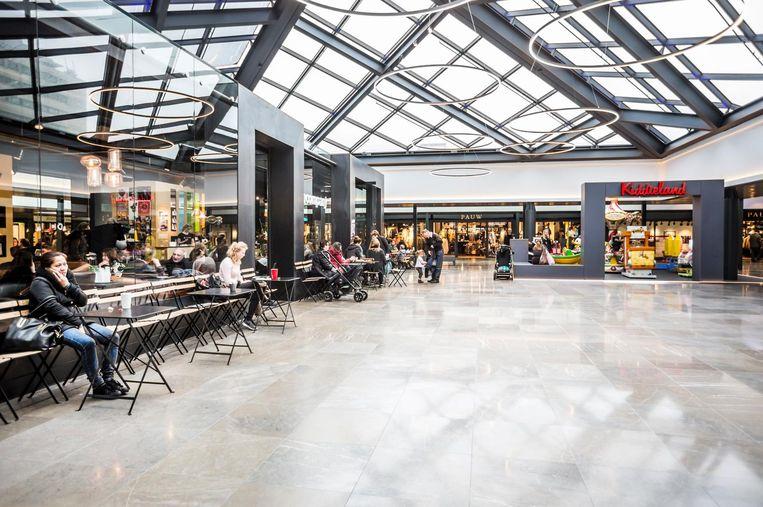 Het vernieuwde winkelcentrum. Beeld Eva Plevier