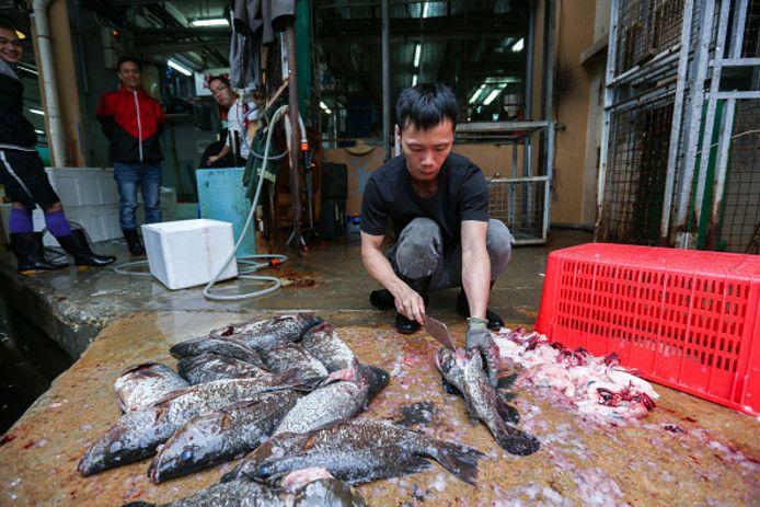 Archiefbeeld van de vismarkt in Wuhan.