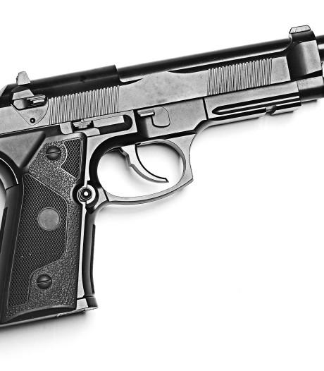 Tientallen vuurwapens geroofd uit wapenhandel in Wateringen