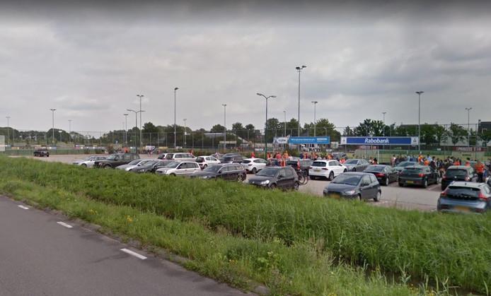 Bij hockeyvereniging MHV in Maarssen hebben dieven dit weekend een aangepaste fiets van een jongetje met een spierziekte gestolen.