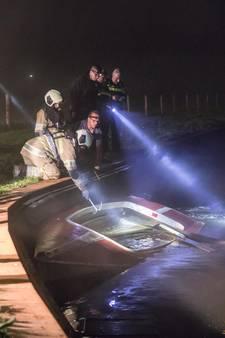 Brandweer rukt uit voor omgeslagen bootje in Eem