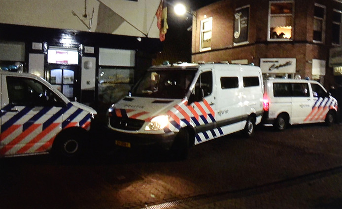 Politie-inval Cafetaria Marco in Werkendam.